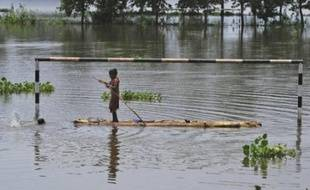 Seize personnes sont mortes du choléra depuis mardi dans une région de plantation de thé située dans le nord-est de l'Inde, contraignant les autorités locales à déclencher une alerte sanitaire, a-t-on appris mercredi de source officielle.