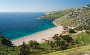 L'Albanie possède son lot de plages enchanteresses, garnies de sable blanc et de criques paisibles.