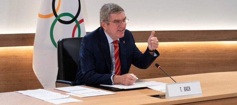 Thomas Bach, le président du CIO, refuse d'envisager un nouveau report des JO de Tokyo.