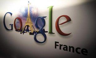 Le logo de Google à Paris, en décembre 2013