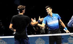 Novak Djokovic et Roger Federer lors de leur affrontement en phase de groupes du Masters de Londres, le 16 novembre 2015.