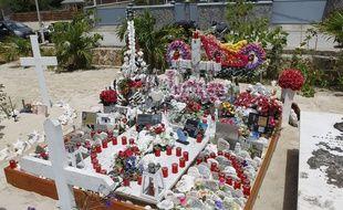 La tombe de Johnny Hallyday sur l'île de Saint-Barthélémy dans les Antilles françaises.