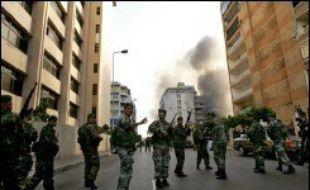 Les affrontements à coups de pierres et de bâtons, devant l'université arabe de Beyrouth située dans le sud de la capitale, se sont étendus aux quartiers limitrophes, chiites et sunnites.