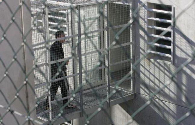 Le centre de rétention administrative du Canet à Marseille le 5 décembre 2006