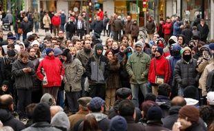 L'aménagement d'une rue de Burgos, dans le nord de l'Espagne, mobilise depuis vendredi des milliers d'habitants qui protestent contre des dépenses jugées superflues en temps de crise, leurs rassemblements émaillés d'incidents offrant une image insolite dans cette ville réputée tranquille.