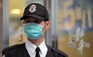"""Taïwan a confirmé mercredi son premier cas """"importé"""" de grippe aviaire H7N9, la souche responsable de la contamination de plus d'une centaine de personnes en Chine, parmi lesquelles 22 sont mortes."""