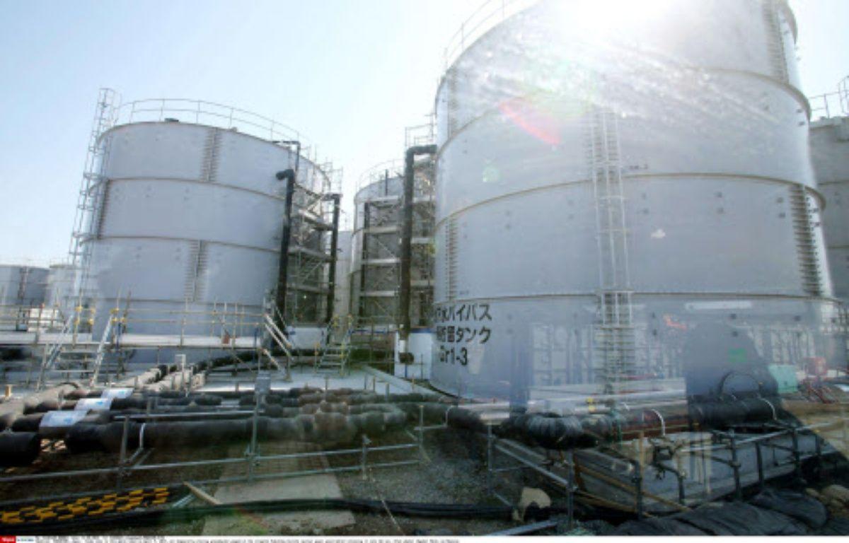 Des réservoirs de stockage temporaire d'eau pompée dans le sol à la centrale de Fukushima Daiichi, le 11 avril 2011. – 31283687_1_kyodowc1/NEWSCOM/SIPA