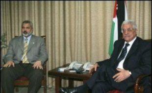"""Sur le plan politique palestinien, M. Abbas a annoncé samedi que le premier référendum jamais organisé par les Palestiniens et qualifié de """"coup d'Etat"""" par le Hamas, se tiendrait le 26 juillet."""