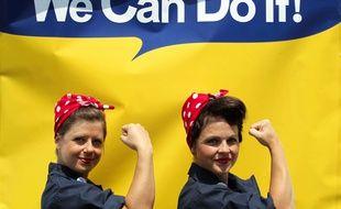 Symbole féministe, Rosie la riveteuse incarne la capacité des femmes à pouvoir remplacer les hommes sur n'importe quelle tâche.