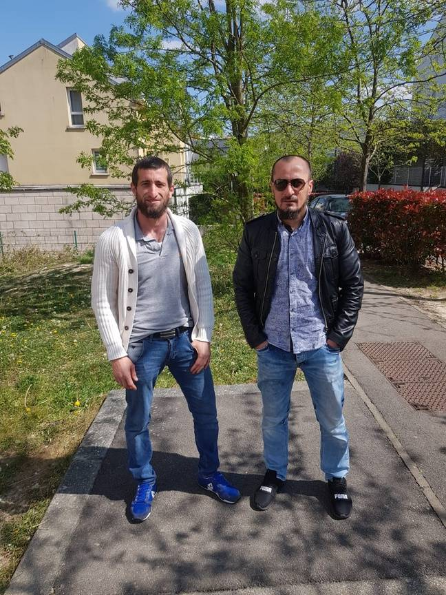 Les deux héros, Dombaev Dzhambulat et Ouloubaev Aslan.