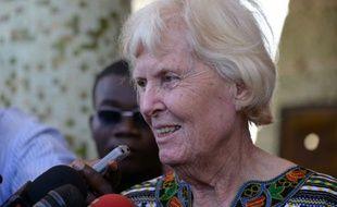 L'ex-otage australienne, Jocelyn Elliott, parle le 8 février 2016 à la presse à Ouagadougou après sa libération
