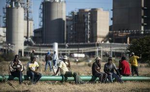Le géant mondial du platine Lonmin annonce la suppression de 6.000 emplois en Afrique du Sud, pour faire face à la chute des cours et à la hausse des coûts de production