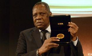 Issa Hayatou, lors de sa réélection au poste de président de la Confédération africaine de football, en mars 2013.