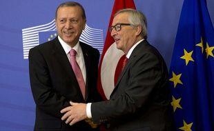 Le président turc Recep Tayyip Erdogan et le président de la Commission européenne Jean-Claude Juncker, à Bruxelles le 5 octobre 2015.