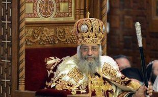 """Le patriarche copte d'Egypte, Tawadros II, a vivement accusé mardi le président islamiste Mohamed Morsi de """"négligence"""" face aux affrontements dimanche devant la cathédrale Saint-Marc du Caire, la plus grave crise inter-confessionnelle depuis son arrivée au pouvoir en juin."""