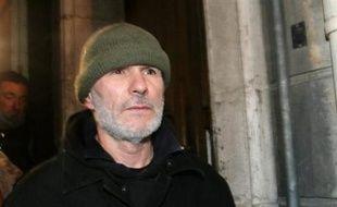 """Les soutiens de Jean-Marc Rouillan se sont mobilisés mercredi pour dénoncer le """"harcèlement"""" dont serait victime le cofondateur d'Action directe (AD) et s'opposer à sa réincarcération, qui sera débattue jeudi à Marseille."""