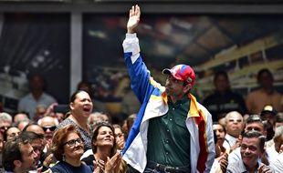 Le leader de l'opposition Henry Capriles lors d'une réunion publique le 27 avril à Caracas.