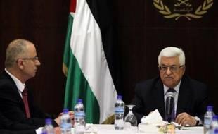 Le président palestinien Mahmoud Abbas recevra dimanche, pour la troisième fois en 48 heures, son Premier ministre Rami Hamdallah qui menace de démissionner, a indiqué samedi soir à l'AFP un haut responsable palestinien.
