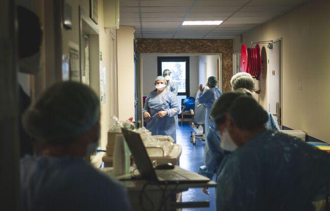 Plus de 23.000 nouveaux cas en 24 heures, les admissions en réanimation en hausse