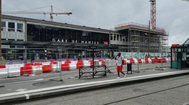 La construction de la future mezzanine de la gare progresse côté nord.