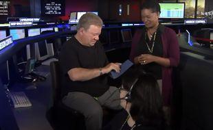 C'est l'acteur William Shatner (Star Trek) qui a lu le message gagnant à la télévision de la NASA.