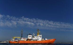 L'«Aquarius» quitte le port de Marseille