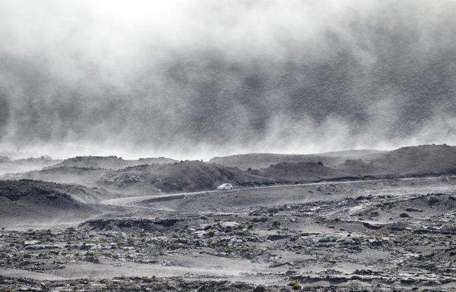 La plaine des Sables qui précède l'Enclos du volcan est accessible en voiture.