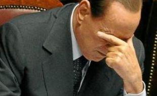 L'agence doute que Berlusconi puisse répondre aux défis posés par la crise.