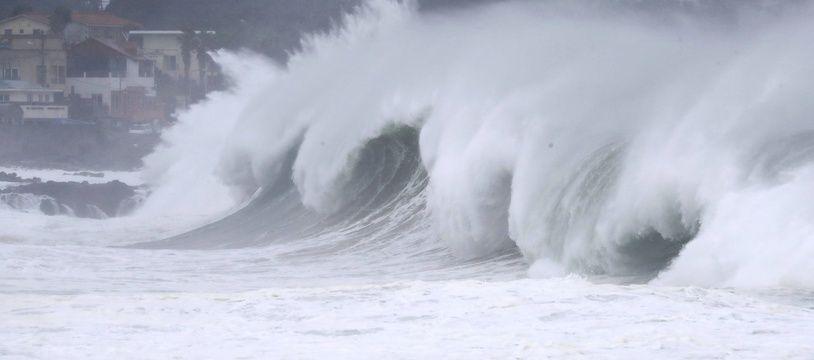 Le typhon Maysak à l'approche de l'île de Jeju en Corée du Sud, le 2 septembre 2020.