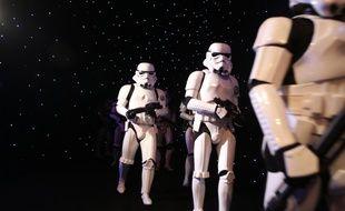 Des Storm Troopers au Festival du film de Dubai, le 13 décembre 2017.