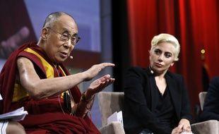 Le Dalaï-Lama et Lady Gaga, le 26 juin 2016, à Indianapolis.