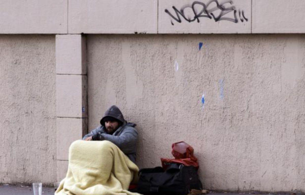 Le taux de pauvreté a légèrement baissé en 2013 en France pour s'établir à 14% de la population, contre 14,3% un an plus tôt – Joel Saget AFP