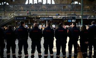 Les douanes françaises dévoilent leurs résultats annuels à la Gare du Nord à Paris le 17 mars 2016