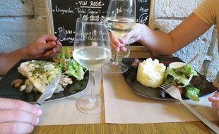 Nantes, le 15 septembre 2014, dégustation de vin muscadet dans un restaurant nantais