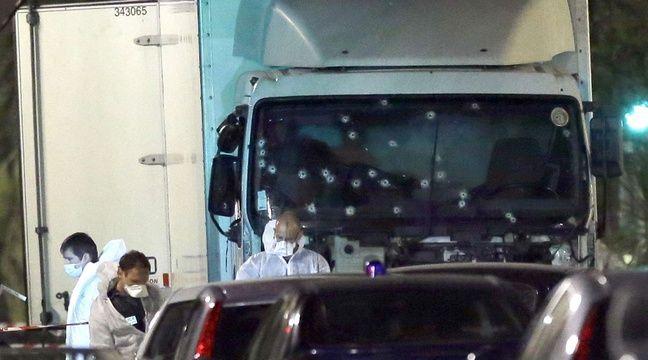 Le camion qui a fauché les passants à Nice, le 14 juillet – Claude Paris/AP/SIPA