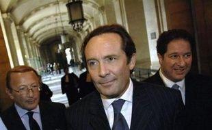 L'avocat général a demandé jeudi à la cour d'appel de Paris de confirmer la condamnation de l'ex-secrétaire d'Etat UMP Pierre Bédier, soupçonné d'avoir favorisé certaines sociétés lors d'attribution de marchés publics lorsqu'il était maire de Mantes-la-Jolie.