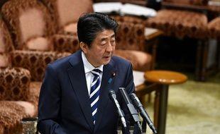 Le Premier ministre Shinzo Abe devant la Chambre haute du Parlement japonais, à Tokyo, le 19 mars 2018.