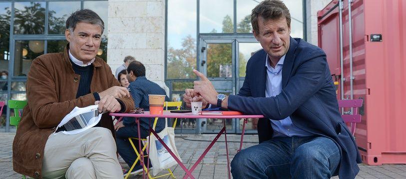 Le patron du PS Olivier Faure et l'eurodéputé EELV Yannick Jadot à Blois, le 29 août 2020.