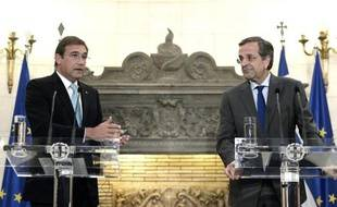 Le Premier ministre grec Antonis Samaras (d) et son homologue portugais Pedro Passos Coelho à Athènes le 9 septembre 2014