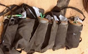 Une ceinture d'explosifs. Illustration