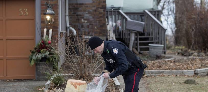 Bruce McArthur, un jardinier-paysagiste accusé d'avoir tué des homosexuels à Toronto (Canada) a été inculpé mercredi 11 avril, d'un septième homicide après la découverte des restes d'une nouvelle victime dans des bacs à fleurs.