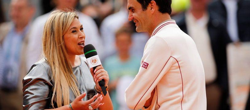 Marion Bartoli et Roger Federer s'échangent leurs meilleures histoires drôles sur le central de Roland-Garros