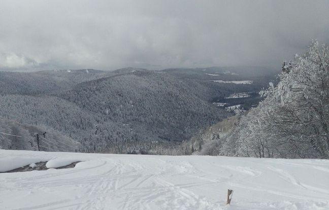 Une vallée vosgienne depuis les crêtes, en plein hiver. Document remis GLC