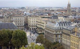 La ville de Bordeaux vue depuis la place des Quinconces.