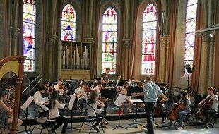 Dans la chapelle rue Candolle, seuls de petits ensembles peuvent jouer.