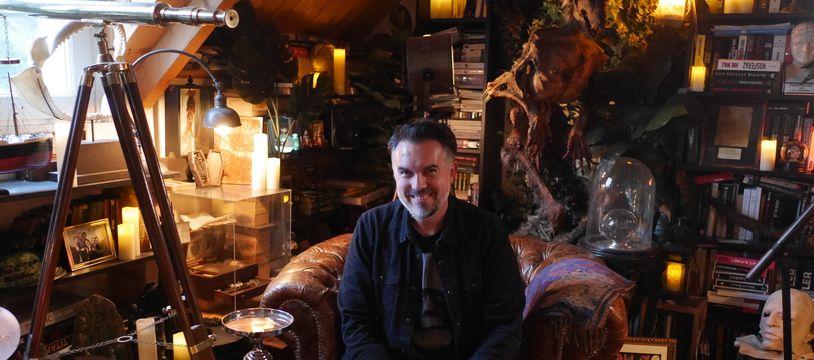 Maxime Chattam chez lui dans l'Oise en janvier 2021