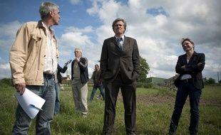 Stéphane Le Foll, ministre de l'agriculture et de l'environnement, en campagne pour les élections législatives dans la Sarthe, le 4 juin.