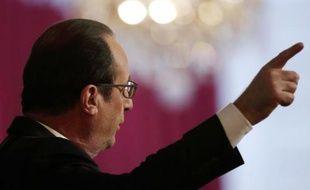 Le président François Hollande prononce ses vœux aux acteurs de l'entreprise et de l'emploi à l'Elysée, le 19 janvier 2015.