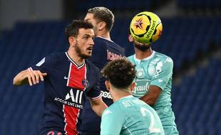 Un duel lors de PSG-Angers