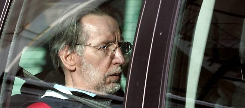 Michel Fourniret lors de son procès devant la cour d'assises des Ardennes en 2008.